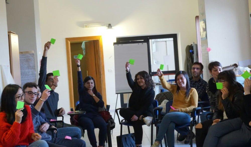 Idee in Comune: Dialogo Strutturato con i giovani e Democrazia Partecipativa