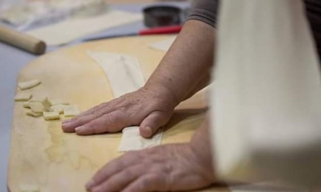 """""""SA PASTA"""" """"Le mani esperte delle donne gavoesi e di Sant'Elia"""